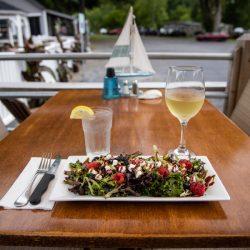 dine on the upper hudson river